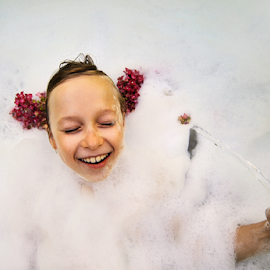 Feed your positive thoughts by Agnieszka Cybulska - Babies & Children Child Portraits ( children, foam, water, flawers,  )