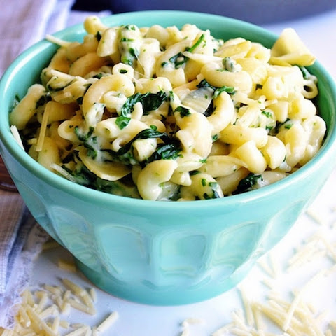 One Pot Spinach & Artichoke Mac and Cheese