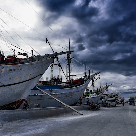 Sunda Kelapa Harbour by Hery Sulistianto - Landscapes Cloud Formations ( clouds, harbour, boats, transportation,  )