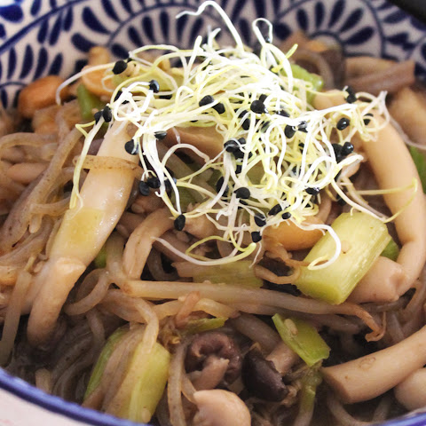 Japanese Style Noodles With Mushrooms and Sesame [Vegan, Gluten-Free]