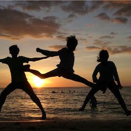 Jonas, Addi & Venice! by Dick Shia - Babies & Children Children Candids ( sunset, action, beach, kids,  )