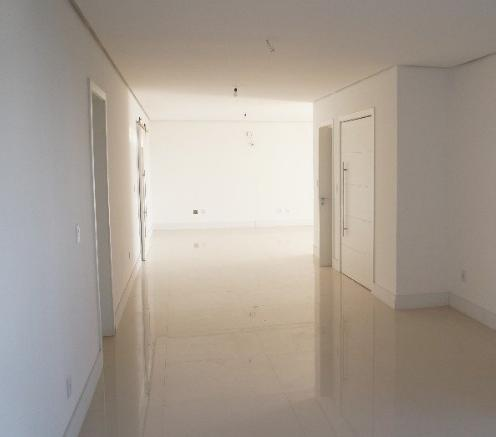 Apartamento de 3 dormitórios à venda em Vila Assunção, Porto Alegre - RS