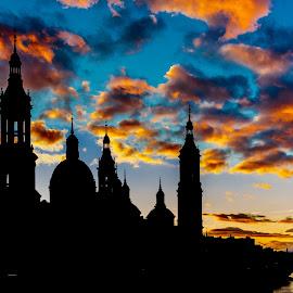 sunset basilica del Pilar, Zaragoza by Roberto Gonzalo Romero - City,  Street & Park  Vistas ( sunset, basilica, zaragoza, pilar )