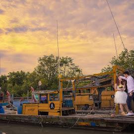 shipping love by JO Leong - Wedding Bride & Groom