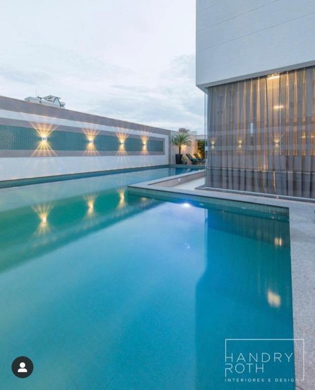 Apartamento mobiliado  3 suítes à venda, 128 m² por R$ 930.000 - Meia Praia - Itapema/SC