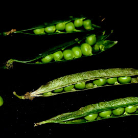 pods by Vivek Anandhan - Food & Drink Fruits & Vegetables ( pea, food, green, vivid, pods, vegetables, green challenge )