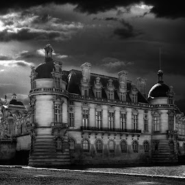 by Alain Labbe Alain - Black & White Buildings & Architecture