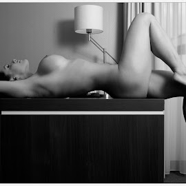 Curved on the desk by Steve Hendra - Nudes & Boudoir Artistic Nude ( curvy, model, nude, female, desk )
