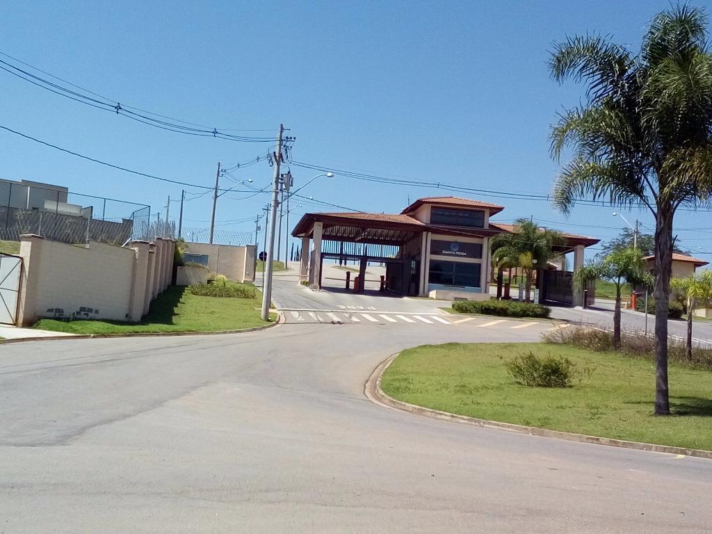 Terreno residencial em condomínio fechado à venda.