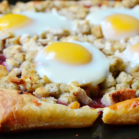 Thanksgiving Leftovers Tart (Turkey, Stuffing, Cranberry and Egg Tart)