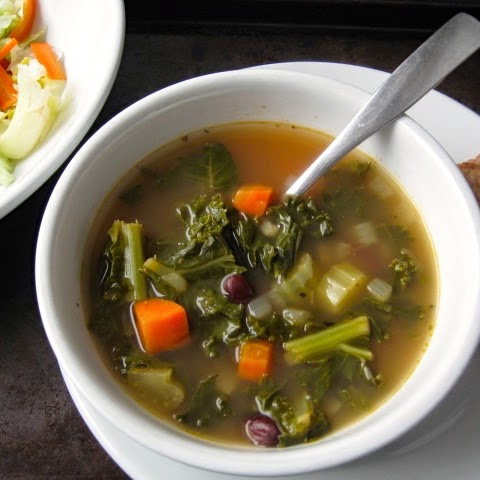 Kale and Kidney Bean Soup