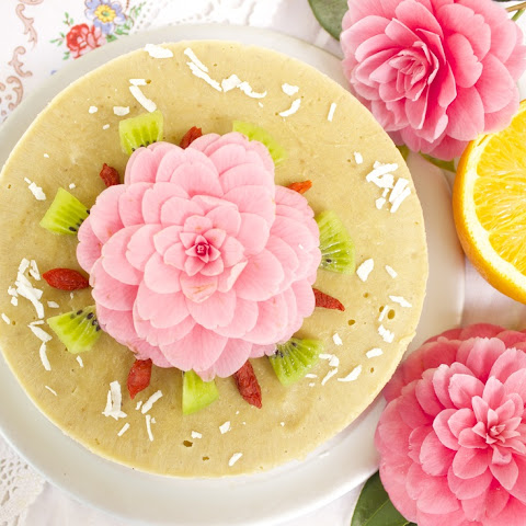 "Vegan & Raw Tropical Fruit Ice ""Cream"" Cake"