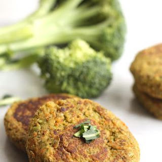 Vegan Broccoli Cheeze Chickpea Burgers