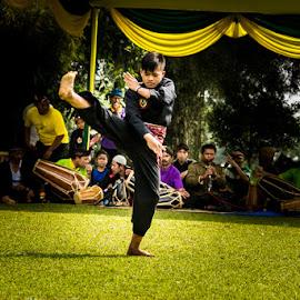 Silat (Indonesian Arts) by Muhamad Ramlan Setiawan - Sports & Fitness Other Sports ( bogor, silat, indonesian arts, indonesia, sport, kampung budaya sindang barang )