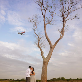 It's a bird, It's a plane, It's Love! by Jessie Lebante - People Couples