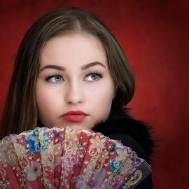 Beauty With Fan by Sue Matsunaga - People Portraits of Women