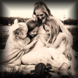 Anticipation by Dave Walters - People Family ( maternity, children portrait, family, pregnant, portrait )