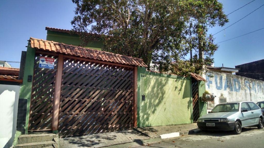Bela Casa em Carapicuiba, 5 dormitórios, 3 Suites, 10 Vagas, Pomar, Churrasqueira