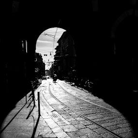 by Luca Rosacuta - City,  Street & Park  Street Scenes ( street, milano, italy )