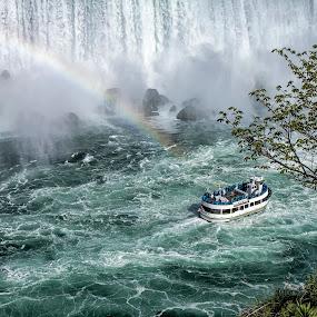 Power ! by Kai Buddensiek - Travel Locations Landmarks ( water, landschaft, ship, waterfall, schiff, landscape, usa, niagara falls, wasserfall, wasser, 17-55, rainbow, regenbogen )