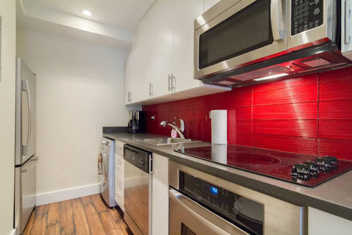 Modern 1 bedroom with balcony in Midtown West