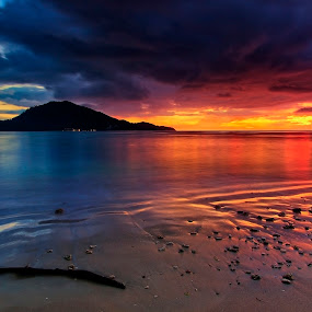 by Charliemagne Unggay - Landscapes Waterscapes ( landscape, beach, blue, orange. color, golden hour, sunset, sunrise )