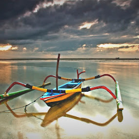 Im Alone by Bertoni Siswanto - Transportation Boats ( sunrise & sunset, formation cloud, transportation, waterscapes, landscape )