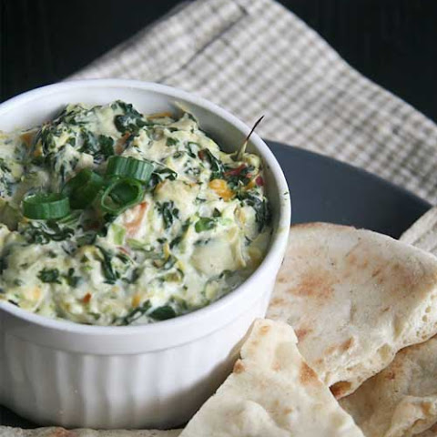 Copycat Applebee's Spinach and Artichoke Dip