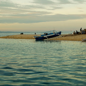 otherside of puteangin Island by Ahmad Irfan - Landscapes Beaches ( water, beaches, landscape, boat, island )
