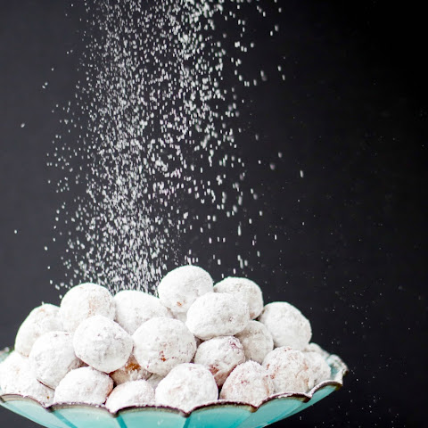Powdered Sugar Doughnut Holes