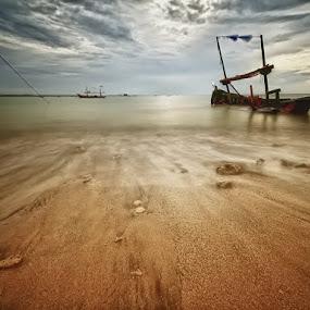 the silence wave by Irawan Sudjana - Landscapes Beaches