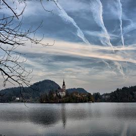 by Robert Gartner - Landscapes Travel