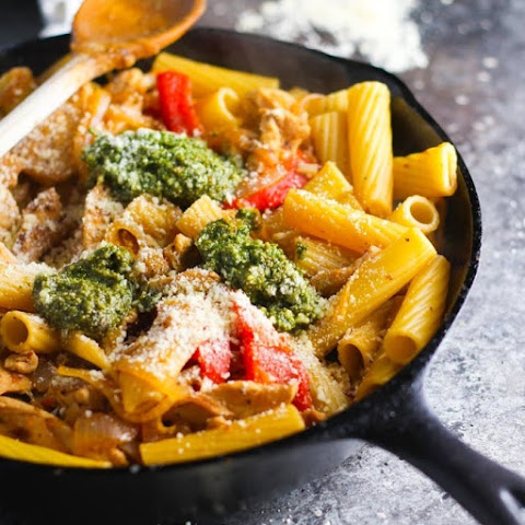 Chicken Rigatoni with Pesto and Caramelized Onion