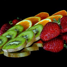 kiwi,orange and strawberry by LADOCKi Elvira - Food & Drink Fruits & Vegetables ( kiwi )