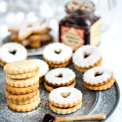 Spiced Almond and Cardamom Linzer Cookies