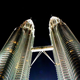 Petronas Towers by Roland Viado - Buildings & Architecture Public & Historical ( kuala lumpur, petronas twin towers )