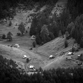 Village by Nenad Borojevic Foto - Landscapes Travel ( mountain, wood, village, forest )