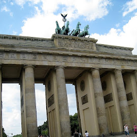 Brandenburg Gate by Dennis Ng - Buildings & Architecture Statues & Monuments