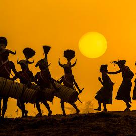 BISON DANCE by Nanda Ban - Digital Art People