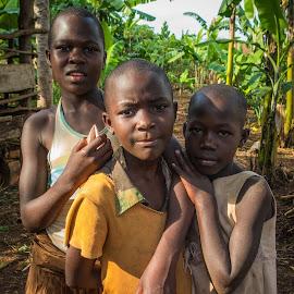 The girls from Jinja by Ole Kristian Valle - Babies & Children Child Portraits ( banana, uganda, girls, africa, jinja )