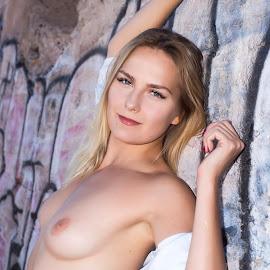 Stretch by Kens Yeaglin - Nudes & Boudoir Artistic Nude ( model, topless, nude, graffiti, nadiaruslanova, sasco pld mine )