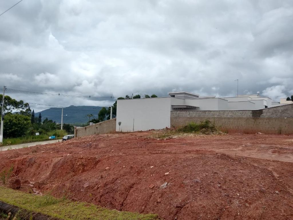 Terrenos á venda á partir de 60 mil reais no centro de Canelinha-SC