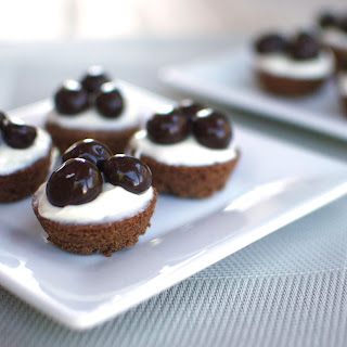 Chocolate Cranberries & Cream Brownie Bites