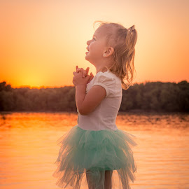 Happiness by Lucis Pictor - Babies & Children Children Candids ( child, sunset, happy, summer, happiness, river )