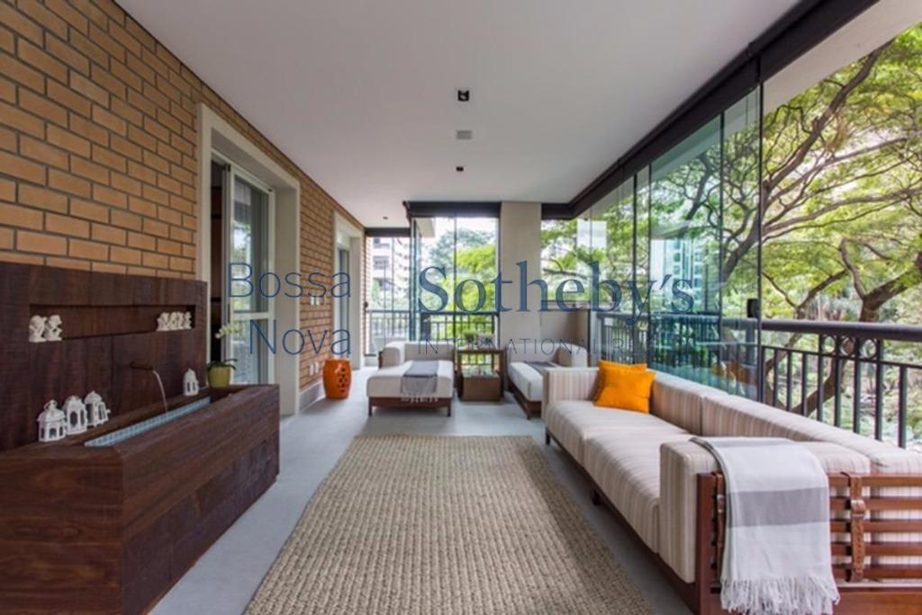 Apartamento moderno, bem decorado,  Vila Nova Conceição, ao lado do parque do Ibirapuera
