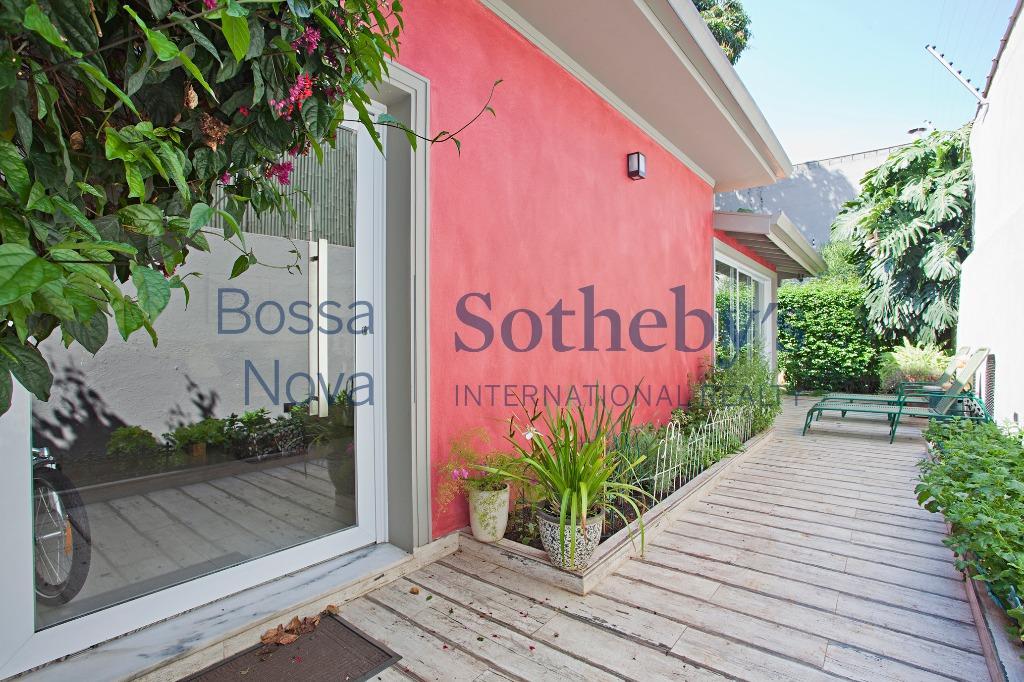 Casa Loft em Excelente localização.