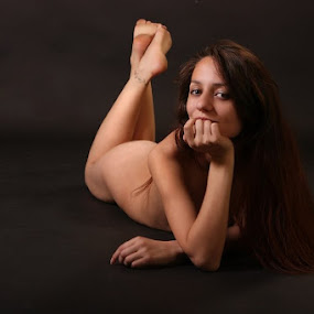 Hello by Nicu Buculei - Nudes & Boudoir Artistic Nude ( studio, girl, nude, woman, portrait, beautiful,  )