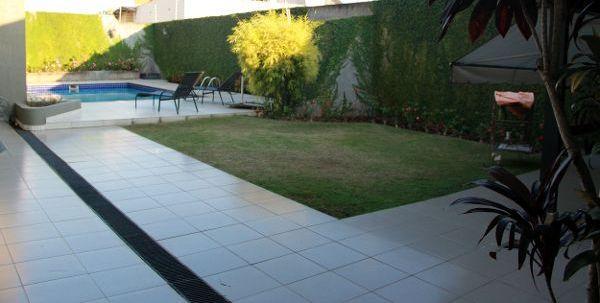 Sobrado residencial à venda, Petrópolis, Londrina - SO0101.