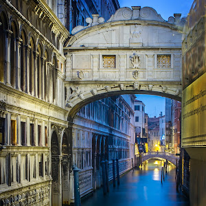 bridge of sighs2.jpg