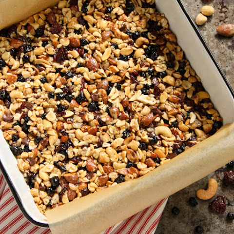 Nuts and Fruits Energy Bars {Homemade Kind Bars}
